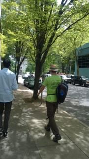 portland tour guide in green shirt